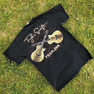 RARE 00s Taylor Swift Fearless Tour Tee in Black